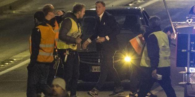 James Bond fermato dalle buche di Roma: Daniel Craig si fa male e non partecipa alla riprese