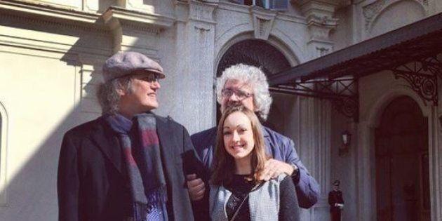 Beppe Grillo da Sergio Mattarella. Con lui Gianroberto Casaleggio e una giovane attivista siciliana:...