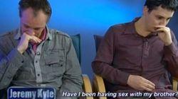 Fidanzati gay vogliono sposarsi, ma scoprono di essere fratelli
