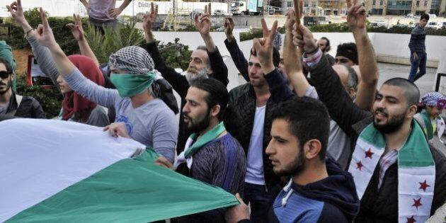 Affidarsi all'Iran o puntare tutto sui ribelli anti-Assad non jihadisti: bivio nella nuova strategia...