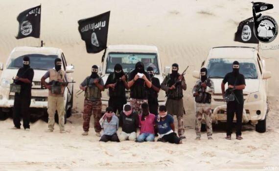 Egitto, quattro uomini decapitati da jihadisti in un video shock: