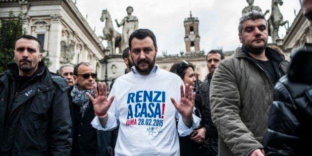 Manifestazione Lega: Le Pen, bandiere russe e Casa Pound. Il barbaro Matteo Salvini cala su