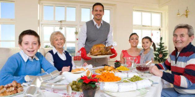 Natale, tra cenone e pranzo gli italiani hanno speso 850 milioni in carne e pesce. 400 milioni per vino...