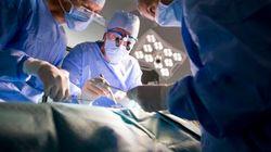 Lampade spente in sala operatoria. In un ospedale pugliese interventi con la luce del