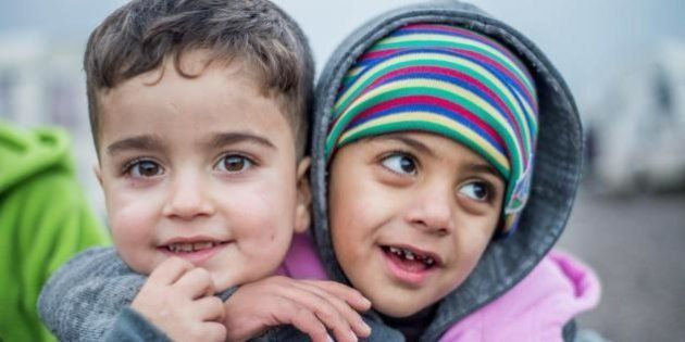Londra nega accoglienza a tremila orfani siriani bloccati a Calais e in altri campi profughi