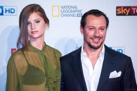 Stefano Accorsi si sposa con Bianca Vitali: è la donna di 20 anni più giovane che gli ha rubato il