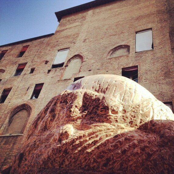 A Bologna una nuova scultura d'arte pubblica porta la natura in