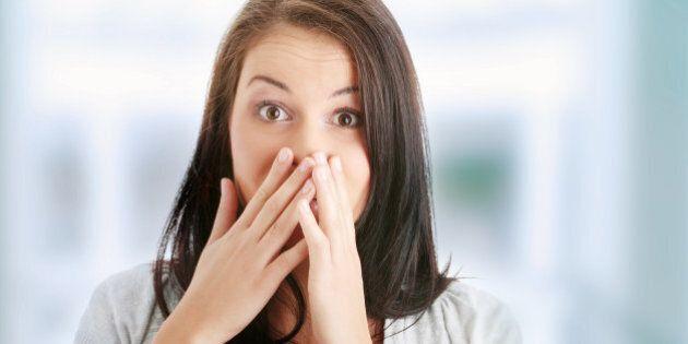 10 cibi contro l'alitosi: per avere una bocca fresca comincia
