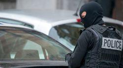 A Bruxelles sparatoria durante un raid antiterrorismo. Forse collegamenti con