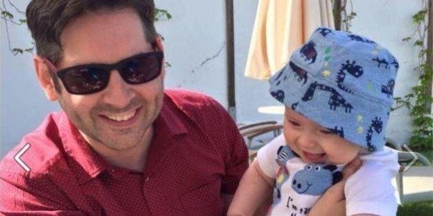 La prima vacanza con vostro figlio può essere un trauma. Un neo papà racconta le sue comiche