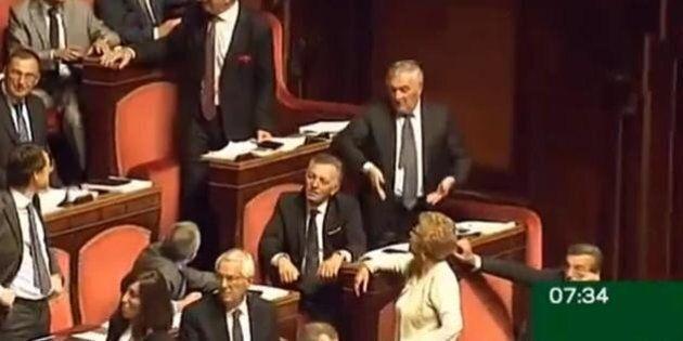 Sessismo impunito. La vicenda dei verdiniani riapre lo scontro nel Pd. E D'Anna attacca Grasso citando...