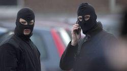Bruxelles, continua la caccia ai due fuggitivi dopo la sparatoria a