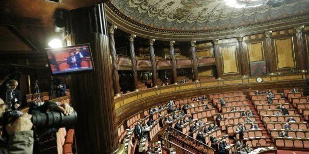 Matteo Renzi, due senatori ex M5s traslocano nell'Idv. Puntelleranno la maggioranza a Palazzo