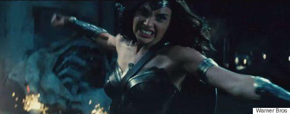 Batman v Superman: ecco il trailer. Il film nelle sale nel 2016 presentato al