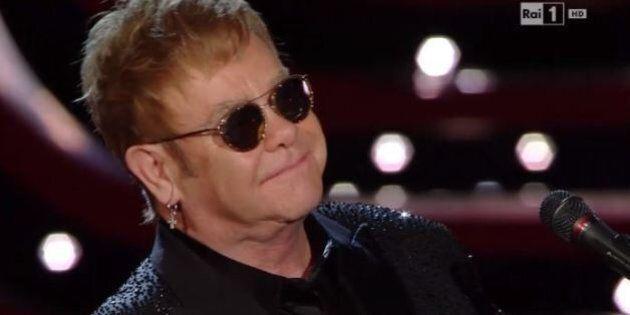 Elton John non parla di unioni civili a Sanremo 2016, ma i big sul palco dell'Ariston fanno per