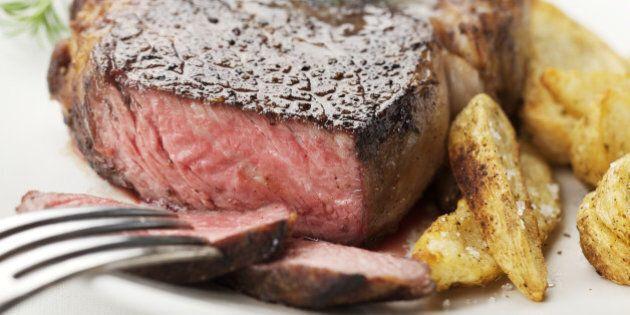 La Danimarca valuta l'introduzione di una tassa sulla carne rossa: