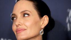 Angelina Jolie peserebbe 35 chili. Radar Online parla di