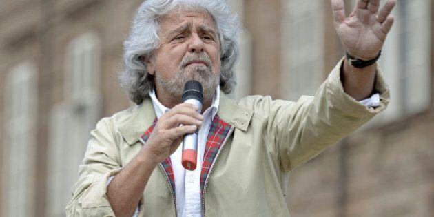 Beppe Grillo contro i bombardamenti in Iraq: