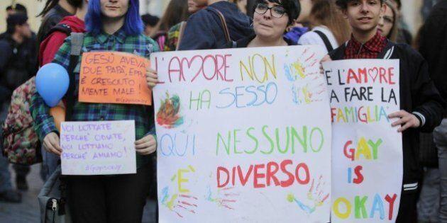 Unioni civili, Angelo Bagnasco spacca la maggioranza. Per Scalfarotto (Pd) è fuori dal tempo, Quagliariello...