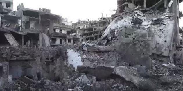 La devastazione in Siria: 470mila morti, la metà della popolazione è sfollata. I dati del Syrian Centre...