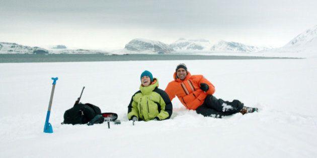 Quo Vado? Checco Zalone prende in giro l'ossessione per il posto fisso, finendo al Polo Nord. Incassi