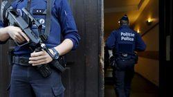 Gli attacchi di Parigi coordinati in tempo reale via sms dal