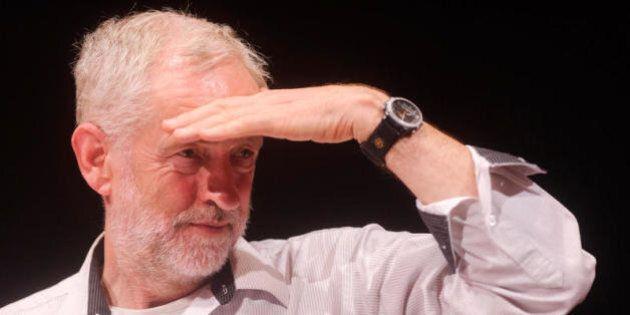 James Corbyn: il candidato laburista che piace alla sinistra italiana, sedotta e abbandonata da