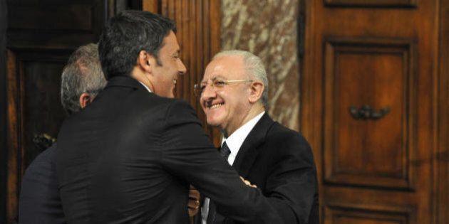 Matteo Renzi difende Vincenzo De Luca: