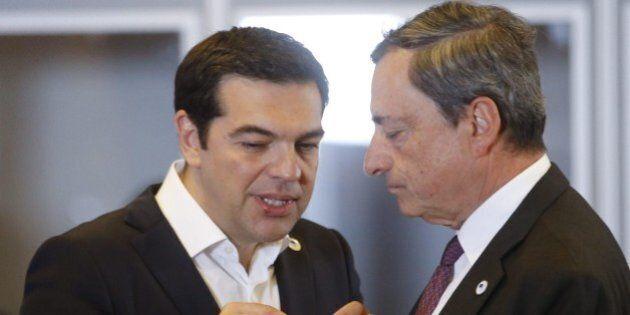 Banche Grecia, Bce tiene invariata liquidità emergenza a 89 miliardi. Draghi tiene sotto controllo Atene,...