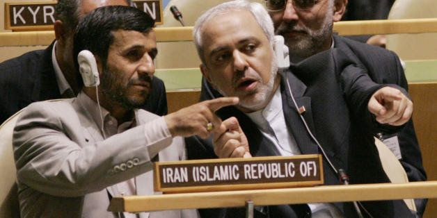 UNITED NATIONS, UNITED NATIONS:  Iranian President Mahmoud Ahmadinejad (L) confers with Javad Zarif (R), Iran's United Nation