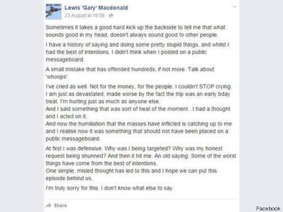Chiede il rimborso del biglietto dell'air show finito in tragedia: