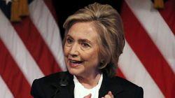 Sull'economia Hillary prende le distanze dal marito Bill e da