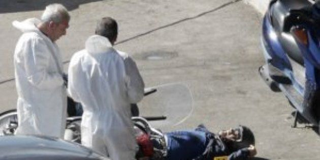 Reagisce a una rapina e uccide i due rapinatori, a Ercolano un commerciante va al bancomat con la