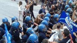 Renzi contestato a L'Aquila. Annullata la prima