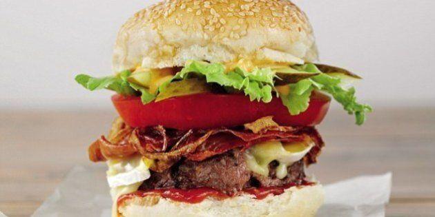 L'hamburger perfetto? Ecco come farlo e dove mangiarlo: le 10 hamburgerie più buone d'Italia