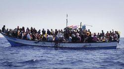 50 cadaveri nella stiva di un barcone soccorso al largo della