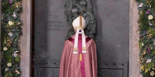 Papa Francesco, il 2016 che sarà: l'anno della verità, tra porte che si aprono e che si