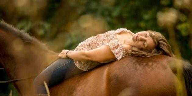 8 terapie alternative o integrative per chi ha problemi di salute mentale, dall'ippoterapia alla meditazione