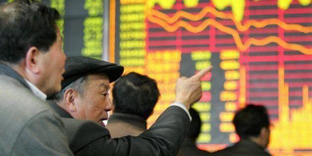 Pechino mette in galera i giornalisti che parlano di Borsa. L'agenzia di stampa Xinhua: