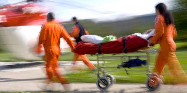 Morti due gemelli di 9 mesi in un incidente stradale a Viareggio, illeso il padre. Grave la