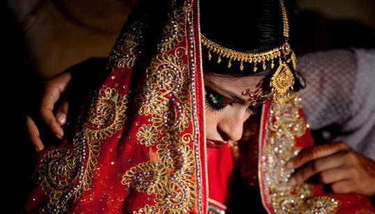 Il dramma di Nasoin, 15 anni, sposa bambina in