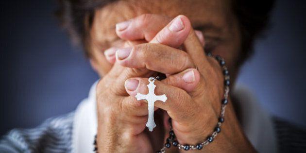 Prete sfratta un'anziana dalla casa parrocchiale: