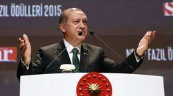 Erdogan comincia bene il 2016: cita la Germania di Hitler come buon sistema