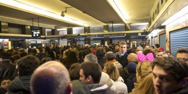 Assenze record fra i macchinisti della metro di Roma per Capodanno. In servizio meno di uno su