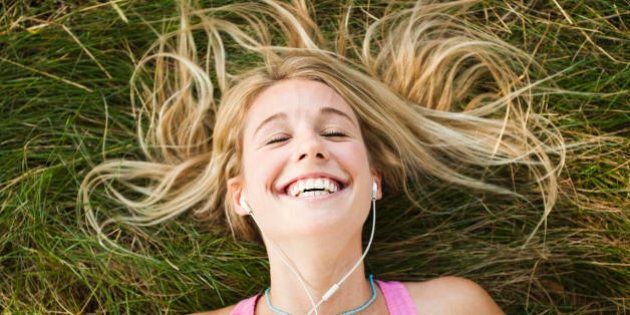 3 segreti per una felicità reale e duratura. I suggerimenti da una ricerca lunga più di 75 anni