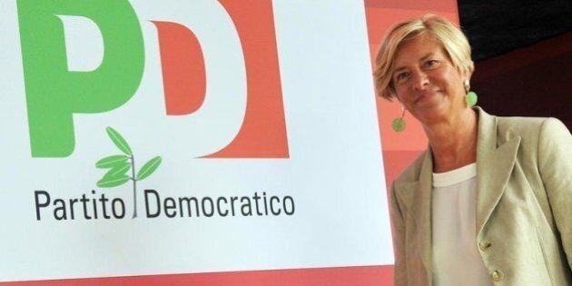 Raid incendiario al circolo Pd di Sampierdarena, a Genova. È la sede in cui è iscritta la ministra della...