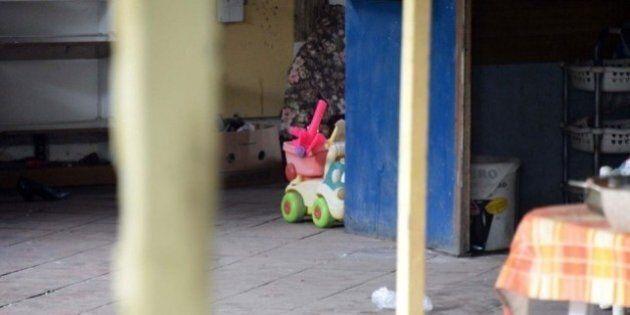 Bambina di tre anni trovata morta in casa a Calambrone: arrestato il