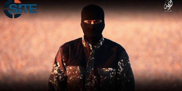 Nuovo boia dell'Isis minaccia David Cameron e la Gran Bretagna. Emula Jihadi John, parla inglese e uccide...