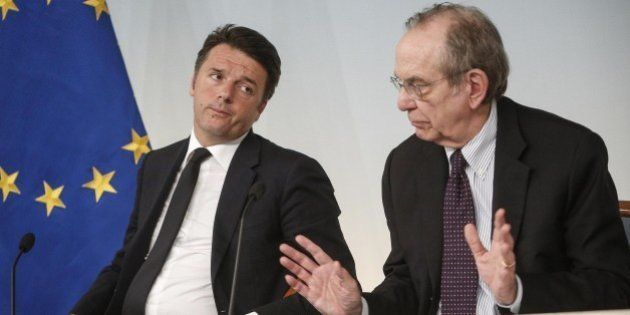 Decreto banche, rimborsi fino 80% per investitori con redditi e patrimoni bassi. Renzi: