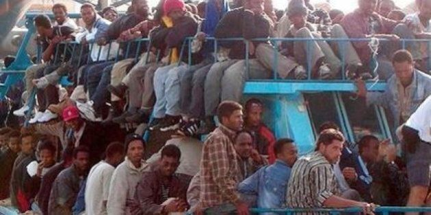 Via libera dell'Onu all'operazione anti-scafisti al largo della Libia. Non esclusa la forza militare
